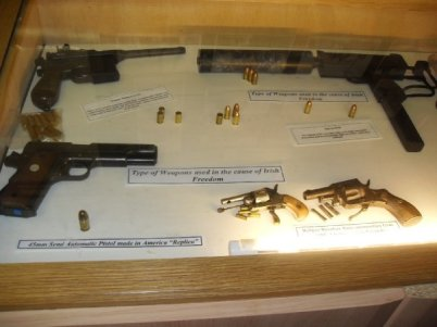 Note label to the machinegun says: 'Type of weapon used in the cause of Irish Freedom'